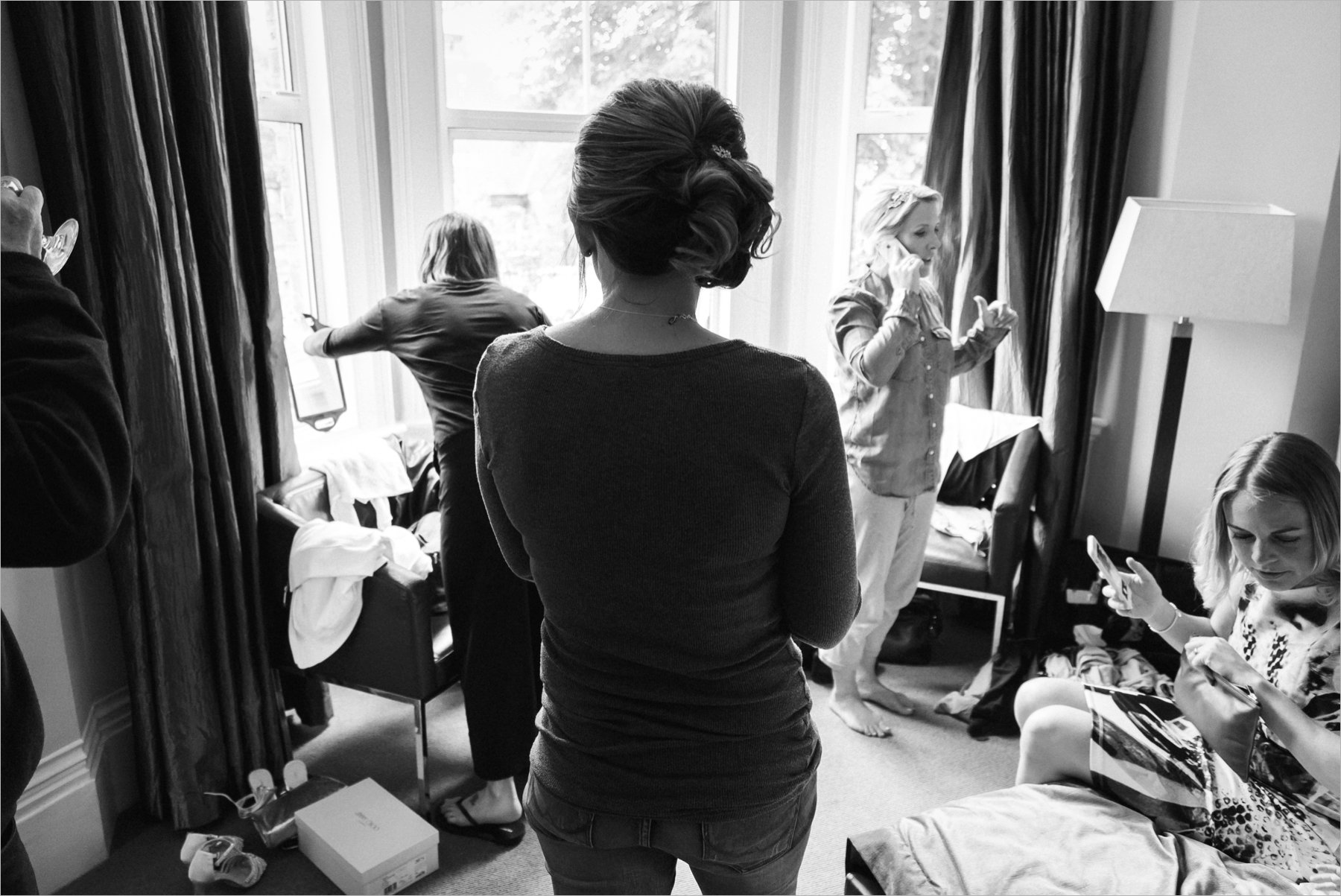 girls getting ready on the wedding morning