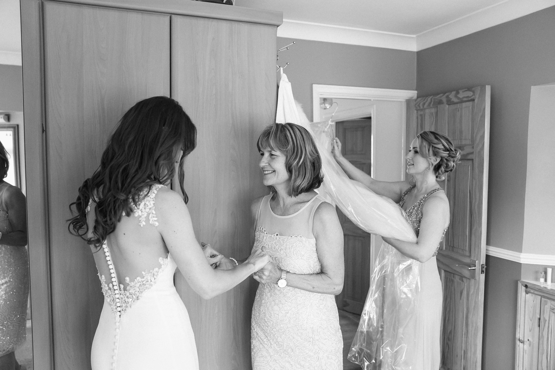 a mother and daughter moment before getting married