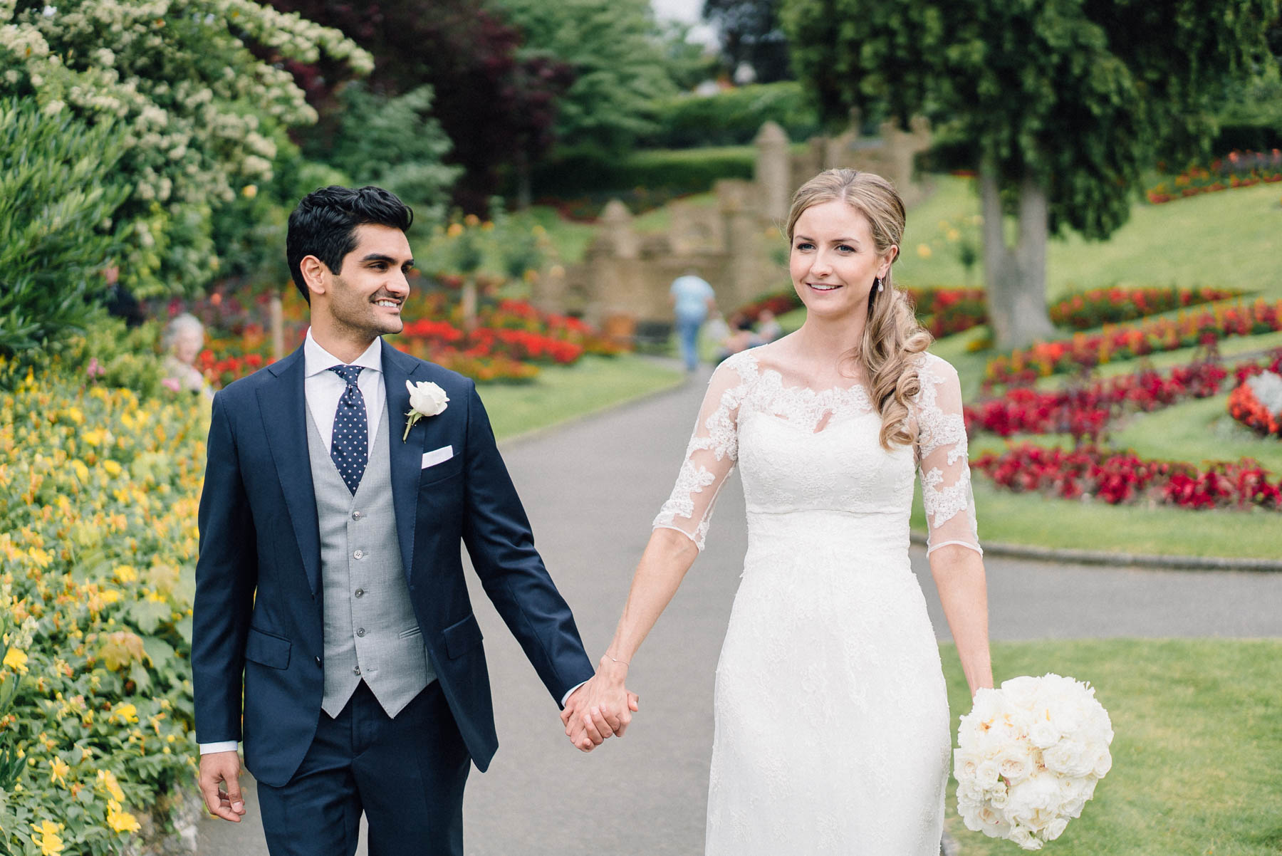 wedding portraits in the castle grounds guildford