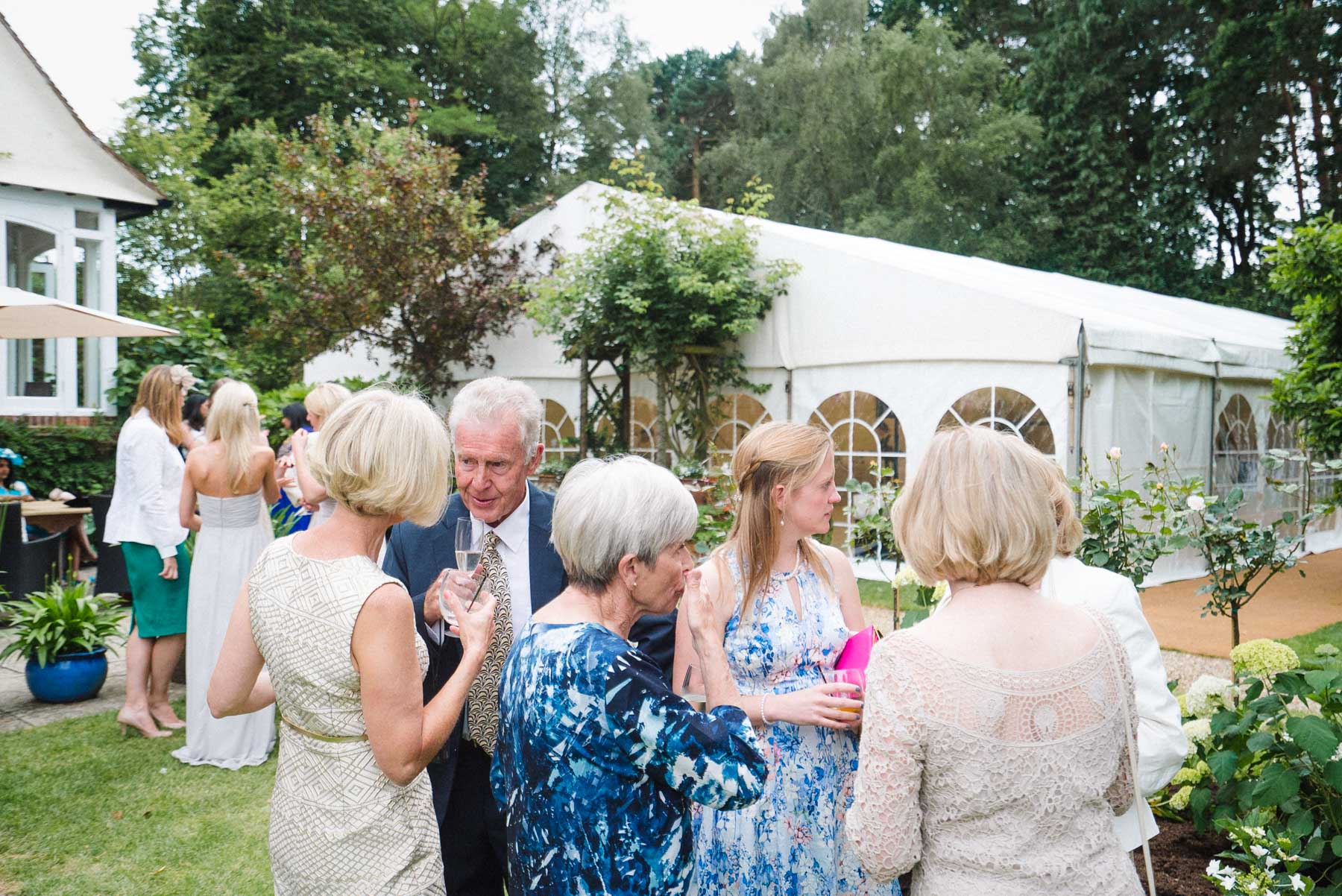 wedding photography at home in woking surrey